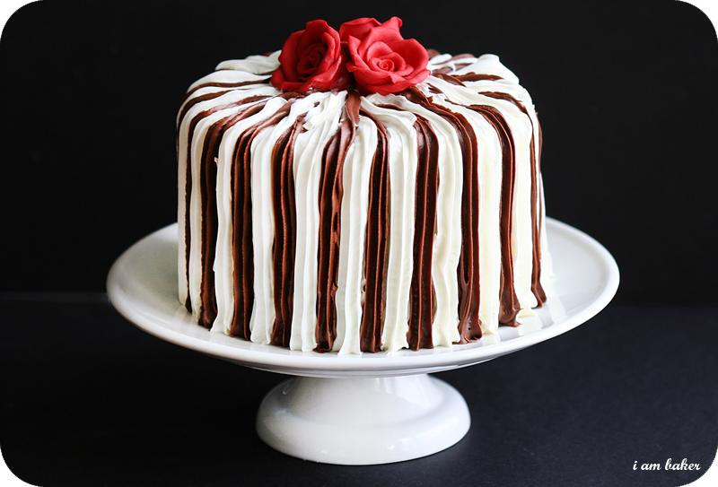 Cake Decorating Striped Icing : Bird hearts Bear: Wedding Cake Inspiration Roundup