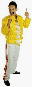 Freddie Mercury Wembley Outfiy - yellow jacket, white trousers.