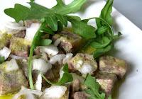 Salade canaille bœuf en gélée, oignons frais et roquette