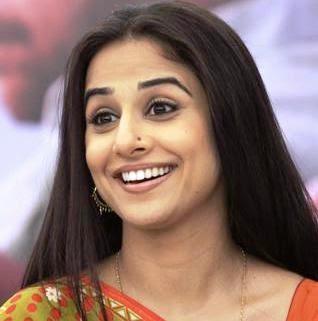 Vidya Balan desi hot image wallpaper photo