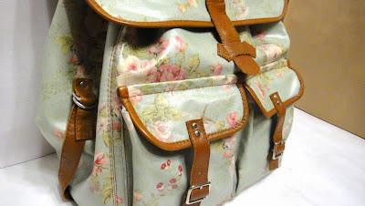 Повседневный рюкзак с карманами для девушки: голубой, розочки, шебби шик