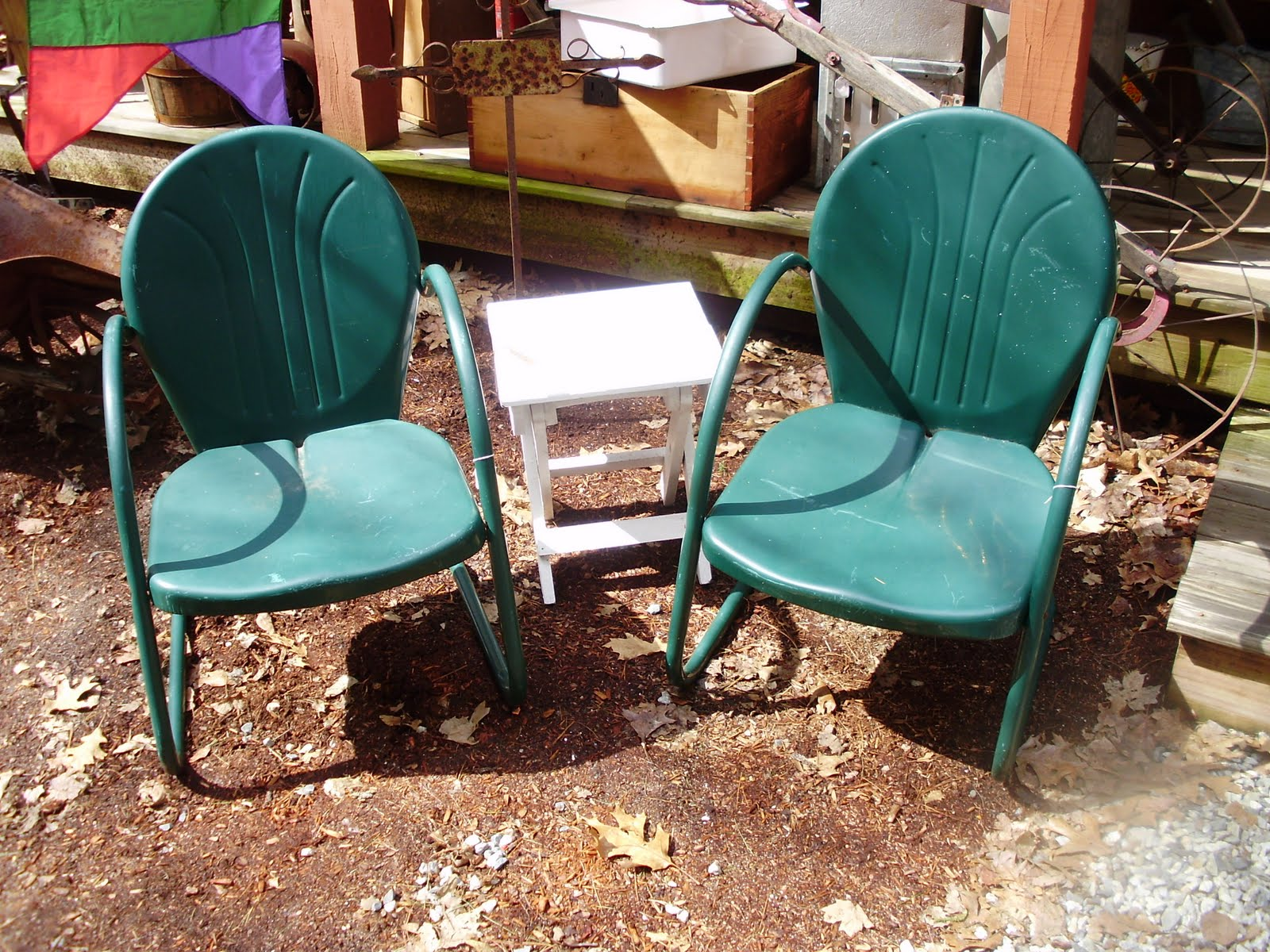 log cabin antiques gifts vintage metal lawn chairs