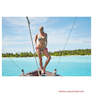 الجميلة جينيفيف مورتون في جلسة تصوير ساخنة بملابس السباحة