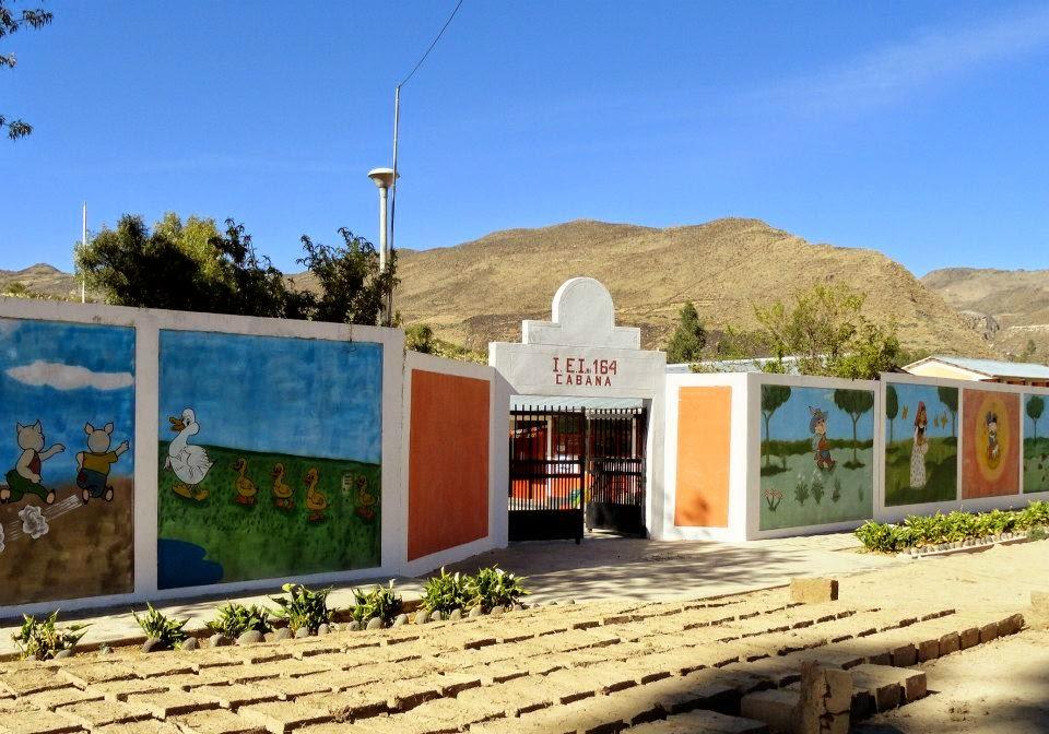La villa hermosa de las retamas dia del maestro peruano for Cabanas para jardin