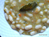 Vegetarische Spaanse bonensoep