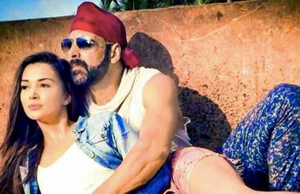 akshay kumar and amy jackson u2019s cool look in singh is bling