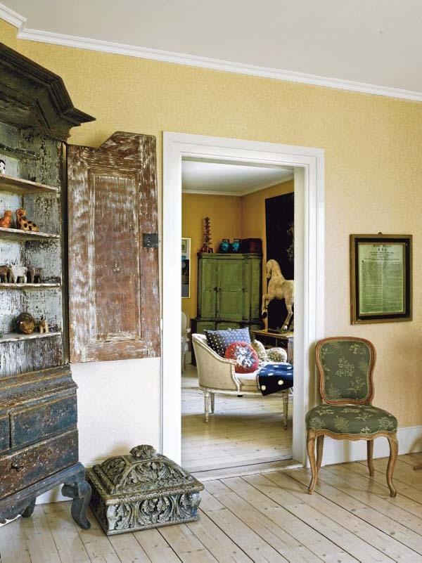 armario antiguo barroco y altar