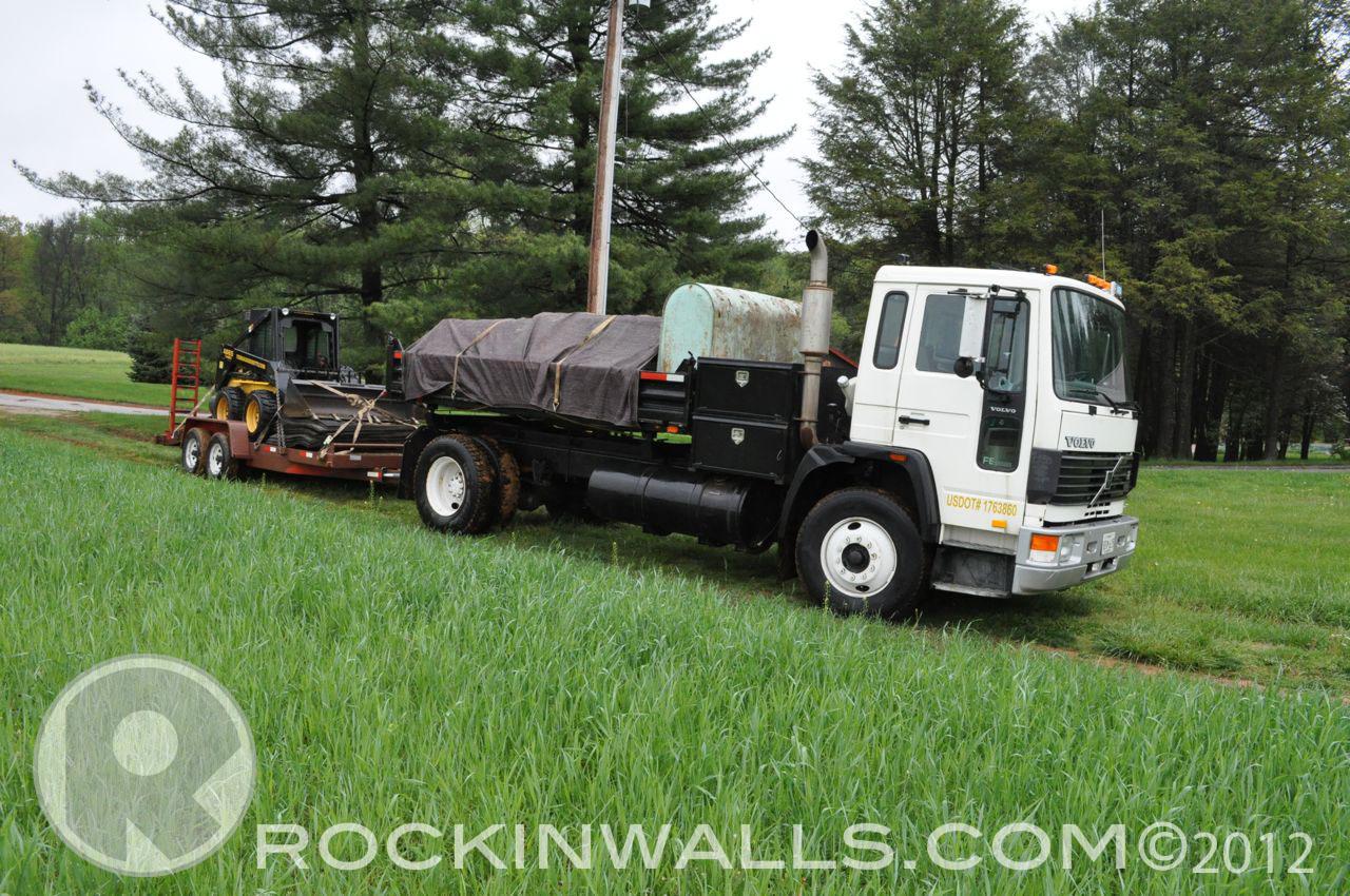 http://2.bp.blogspot.com/-ztjeYsr3BtM/T-Uqma0gL5I/AAAAAAAACOA/rwbMgF7X8Jw/s1600/WM+2+Truck+Glenville+Dry+Laid+Stone+Retaining+Wall.jpg