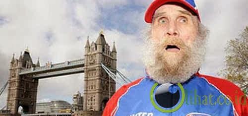 98 Tahun – Manusia Tertua (Pria) yang Menyelesaikan Lari Maraton