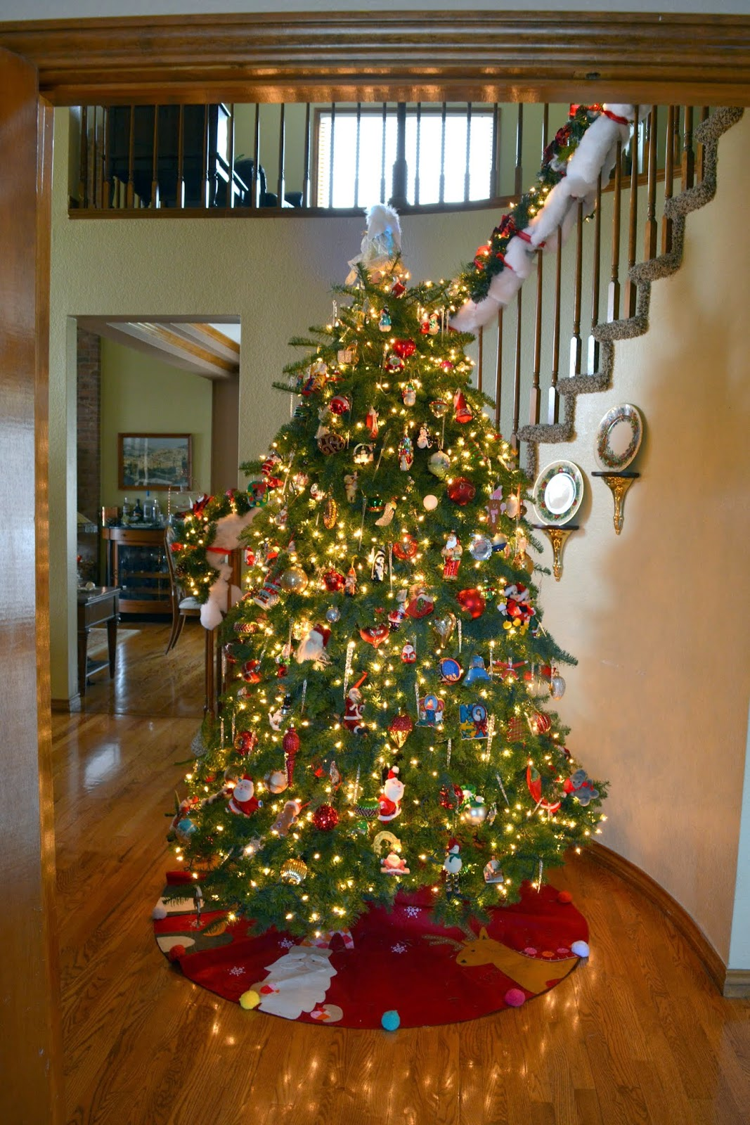 Why do we decorate our houses at christmas - Another View Of The Tree During The Daytime And From A Different Angle We Placed The Cotton Fluff On Our Staircase Railing To Protect It From Being