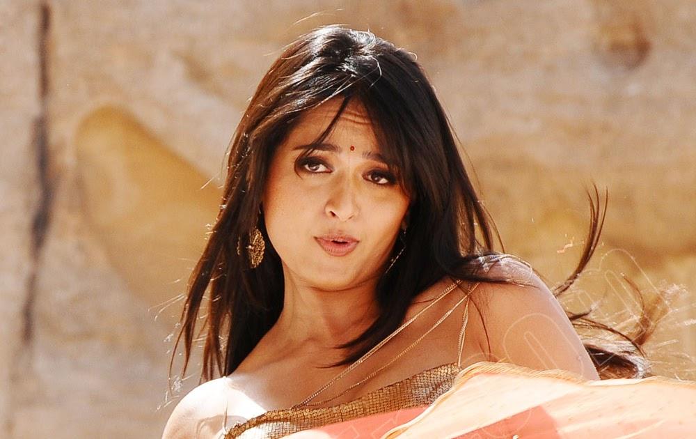 hot indian actress blog sexy hot seductive anushka shetty