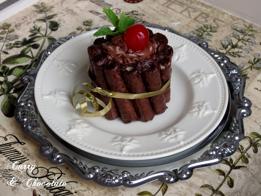 Mini charlotte de mousse de chocolate o Nutella