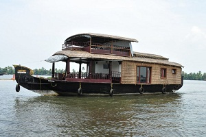 Go for houseboat cruise and get to know wonderful culture for 01 bedroom ac deluxe houseboat