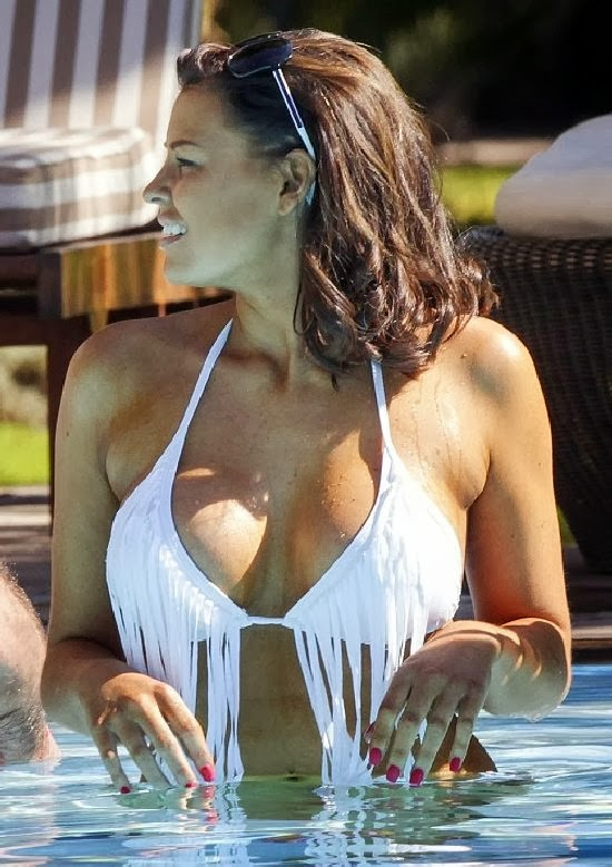 English:Jessica Wright White Bikini Morocco February‭ ‬7,‭ ‬2014‭