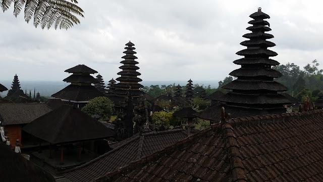 Vista general de Pura Besakih (Bali)