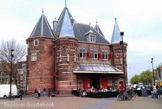 De Waag Nieuwmarkt Amsterdam cafe