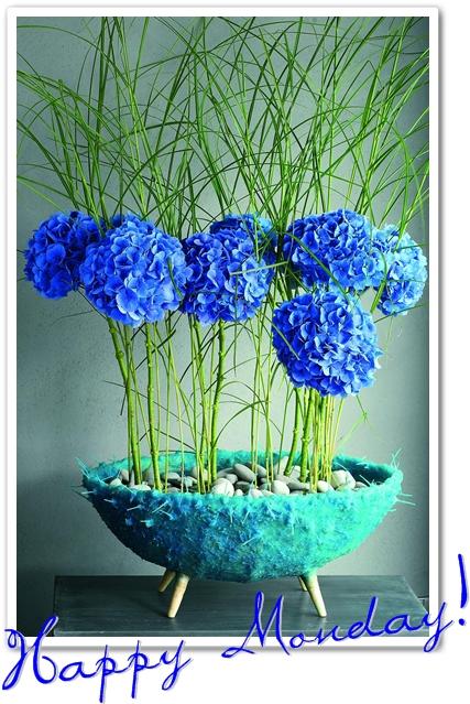 blå hortensia, annorlunda skål, annorlunda hortensia, blue hydrngea, cool bowl, blommor med enerig