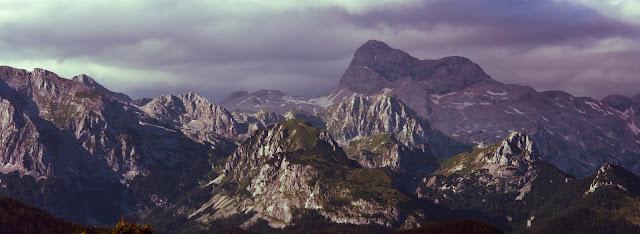 Panorama Triglavu - najwyższego szczytu Słowenii. Górska fotografia krajobrazowa. Triglavski Park Narodowy. fot. Łukasz Cyrus