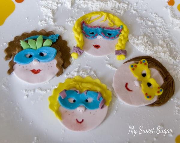 bambini in maschera cake topper con tutorial