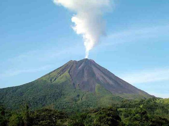 mi linda Costa Rica... VOLCA%25CC%2581N+ARENAL