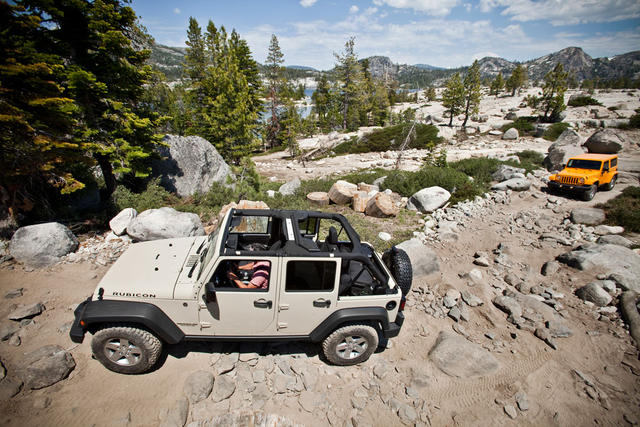 2012-Jeep-Wrangler-Unlimited-Rocks