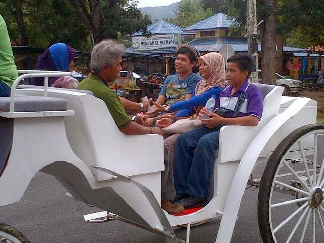 Seronok Naik Kereta Kuda di Sungai Batu Pahat perlis