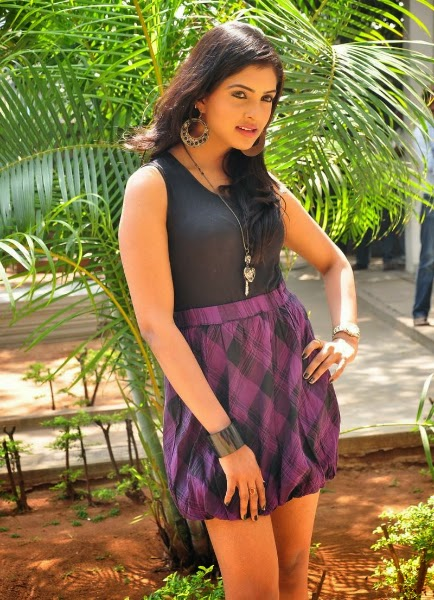 Actress Sanchita Padukone Latest Cute Hot Thighs Show Spicy Photos Gallery