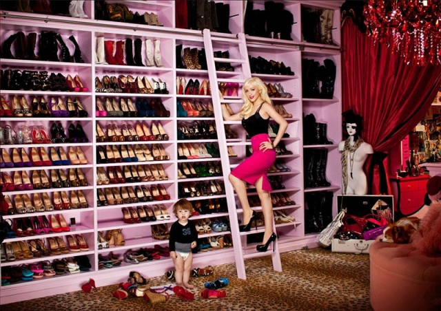 Christina Aguilera   Really, A Ladder To Reach More Shoes? It Is Also Pink,  How Beautiful.