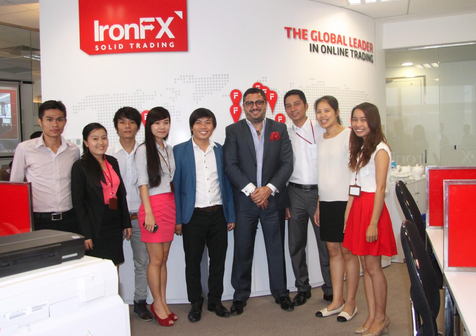 IronFX Bitexco Financial Hồ Chí Minh City
