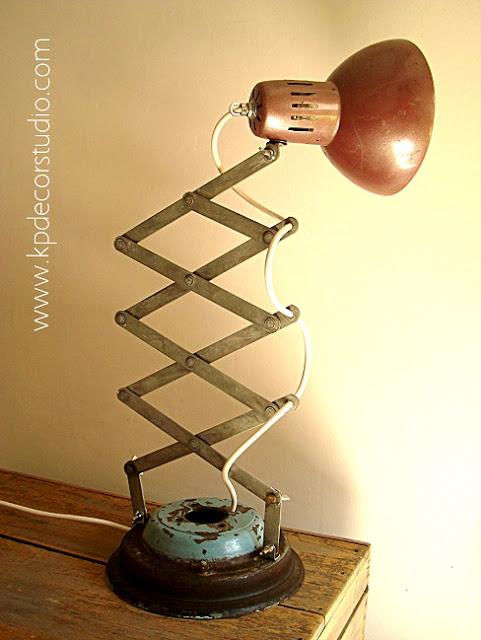 Venta de flexo antiguo artesanal estilo vintage fabricado a mano con materiales reciclados