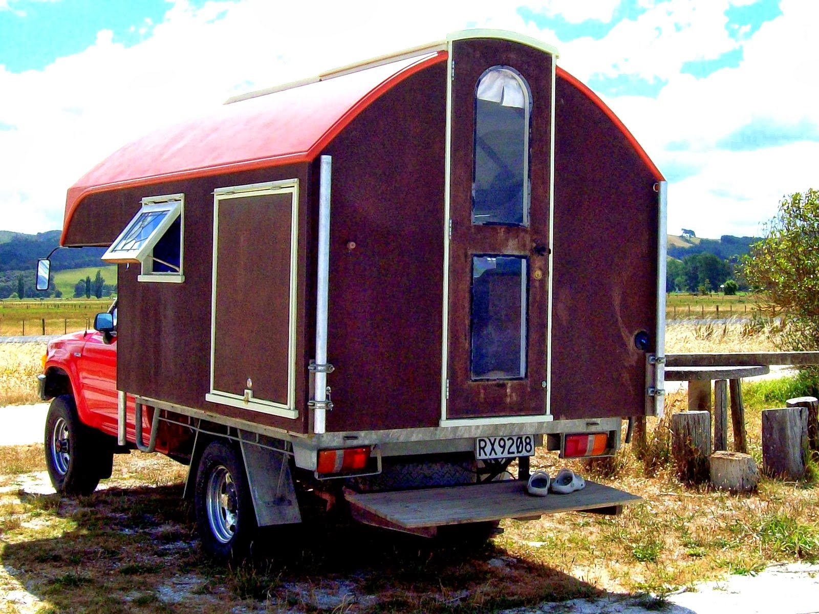The Flying Tortoise Simple And Delightful Tiny Homes On The Back