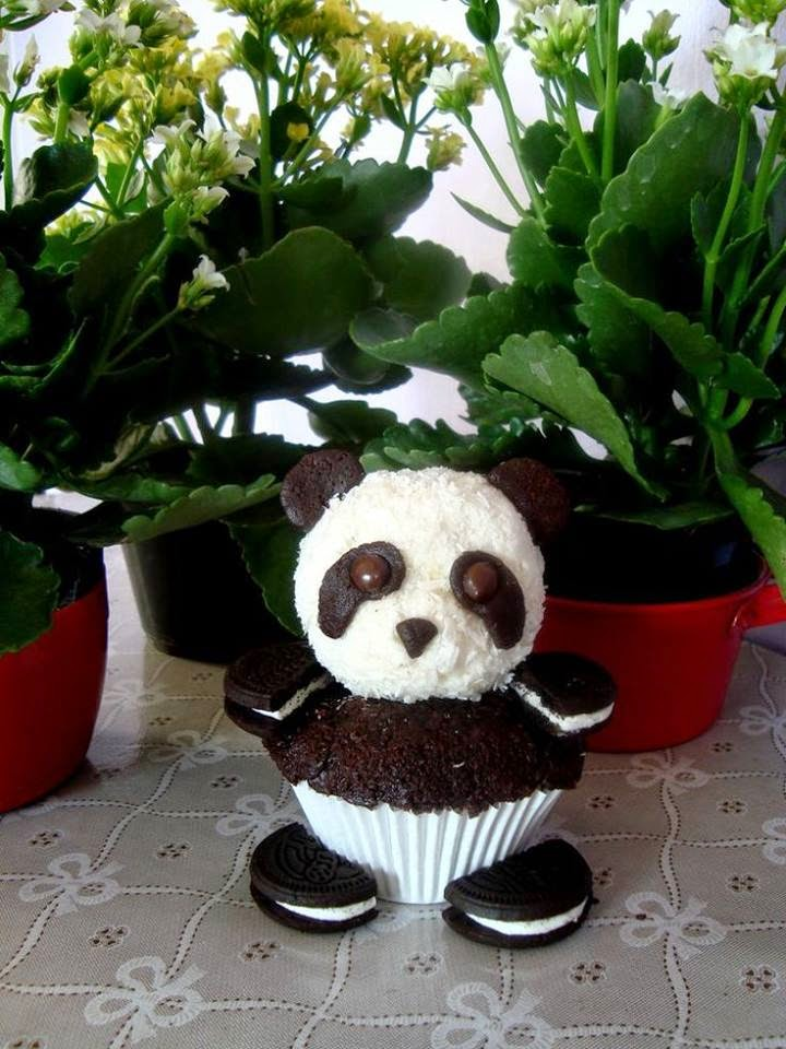How To Make Oreo Panda Cupcakes
