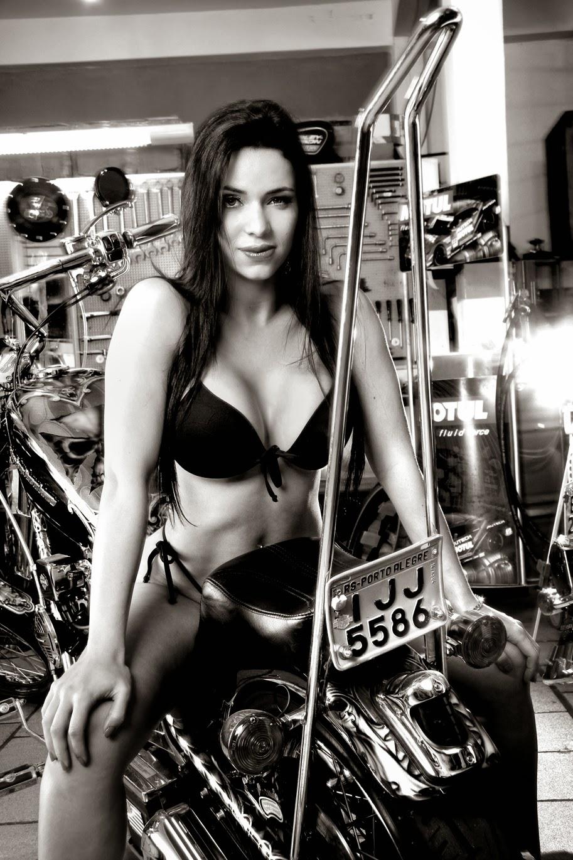 Thays Pires Leão em moto, Thais Pires Leão, famosa em moto, gostosa em moto, Mulher semi nua em moto,sexy on bike, sexy on motorcycle, babes on bike,ragazza in moto,donna calda in moto, femme chaude sur la moto, mujer caliente en motocicleta, chica en moto, heiße Frau auf dem Motorrad