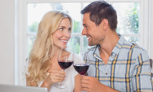 6 Things to Know Before Dating a Divorced Woman,man woman drinking wine