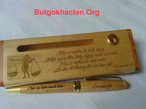 Quà tặng Bút gỗ khắc chữ dành tặng cha mẹ
