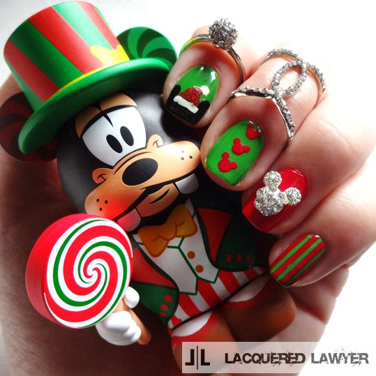 Mickey Mouse Christmas Nail Art