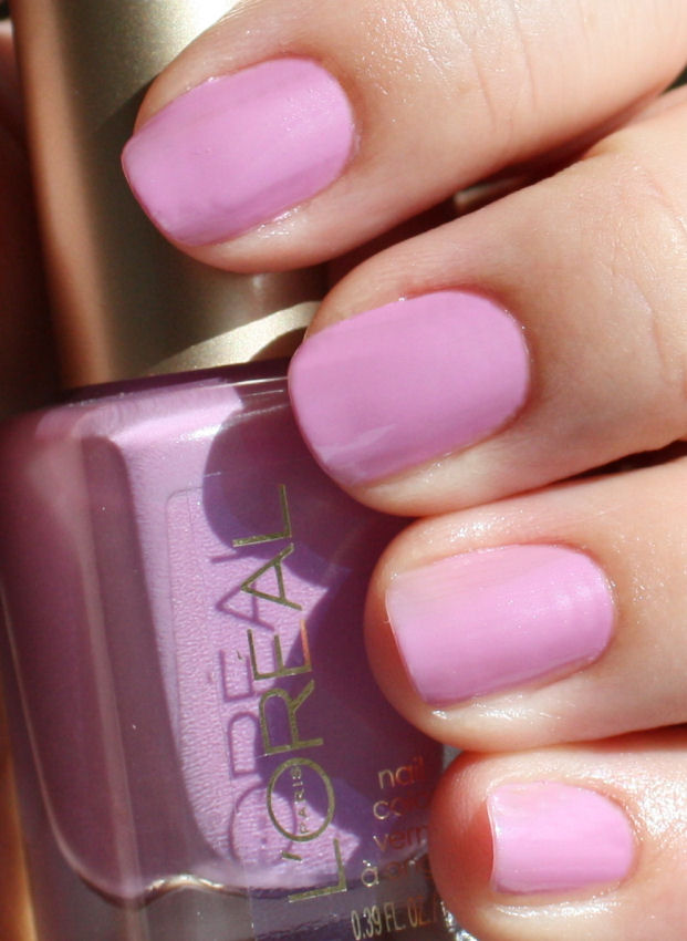 Pondering Beauty: L\'Oreal Colour Riche Nail Color in 380 Butterfly ...