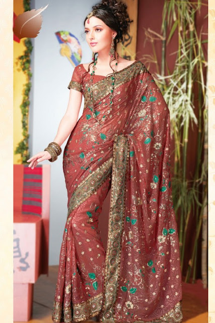 Latest-Design-of-Party-Saree-for-Bride