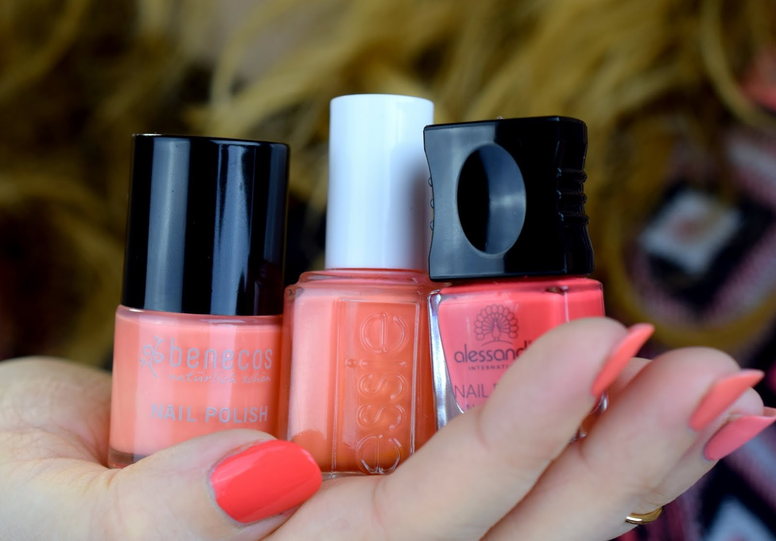 Ombre Summer Nails - Coral & Peach: Benecos, Essie, Alessandro