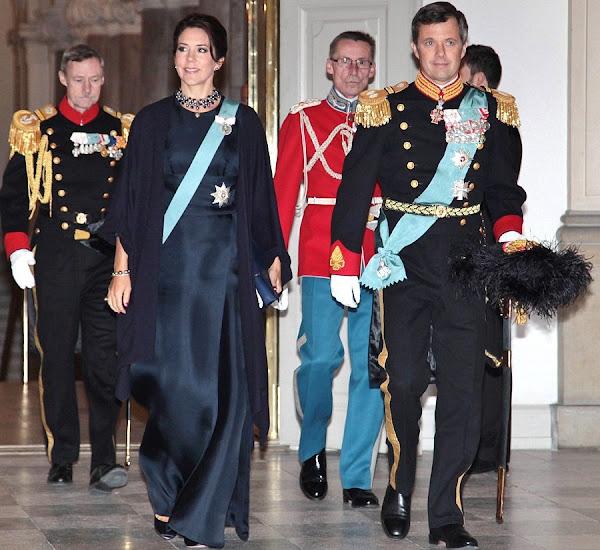 http://2.bp.blogspot.com/-zwd6SVf1Nmo/Vo2H6k2KNRI/AAAAAAAA6aQ/G5lcaomz6z4/s600/Crown-Princess-Mary-4.jpg