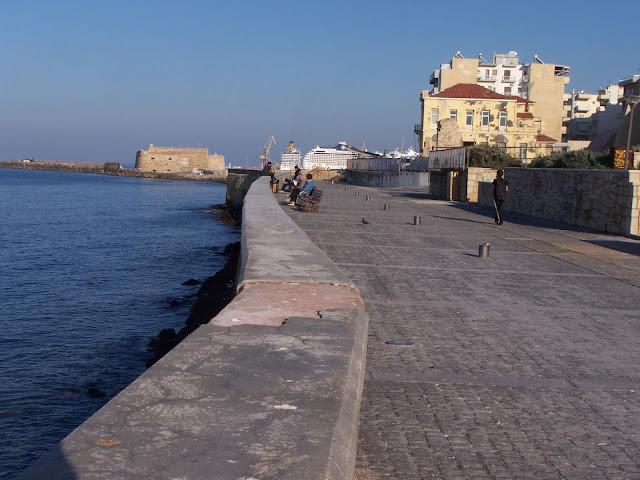 Kandiye sahili ve Kules (Venedik Kalesi)