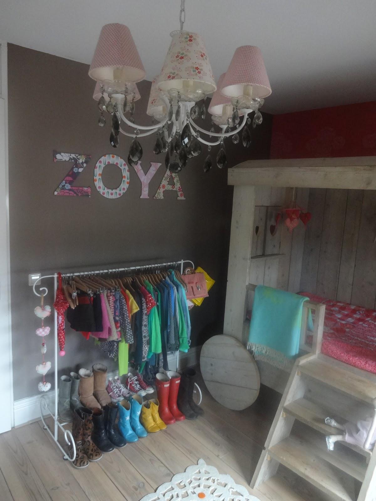 Het moonhuis de kamer van zoya - Kamer voor jaar oude jongen ...