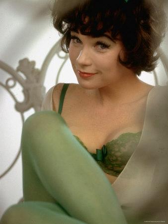 Shirley MacLaine Cute Black And White Leg