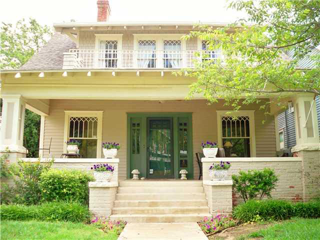 Mod vintage life open house sunday for Craftsman style homes in okc