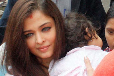 Aaradhya Bachchan on the sets of 'Satyagrah' Movie