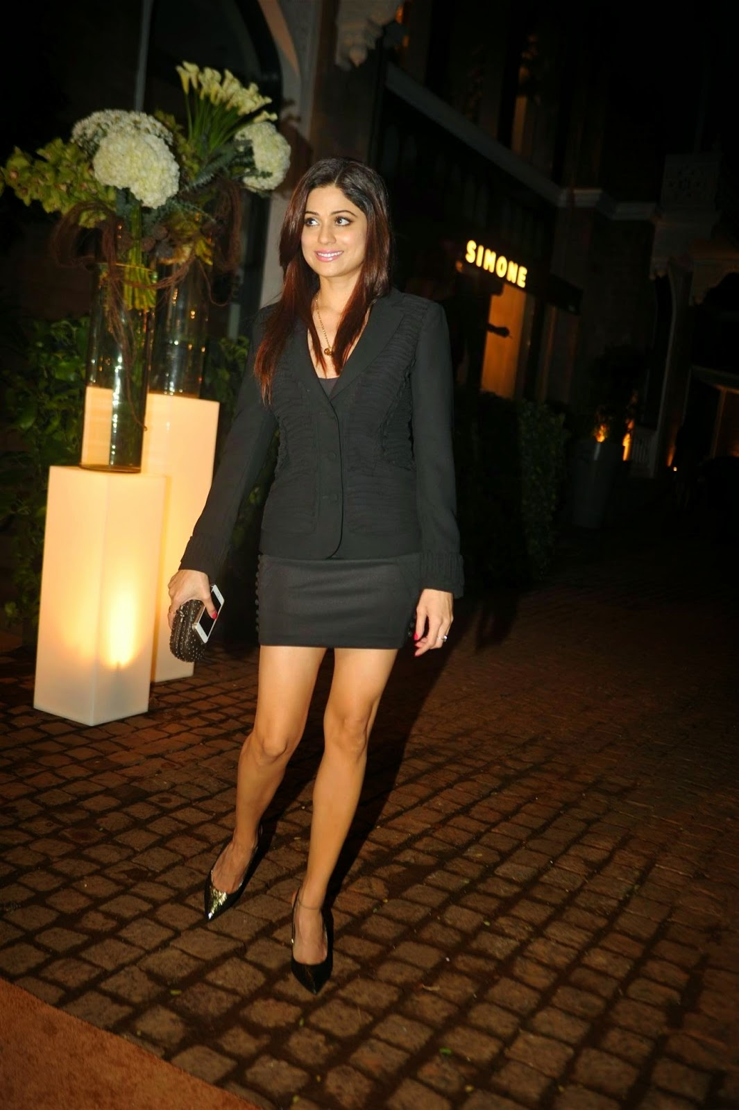shamita shetty hot spicy legs hd pics