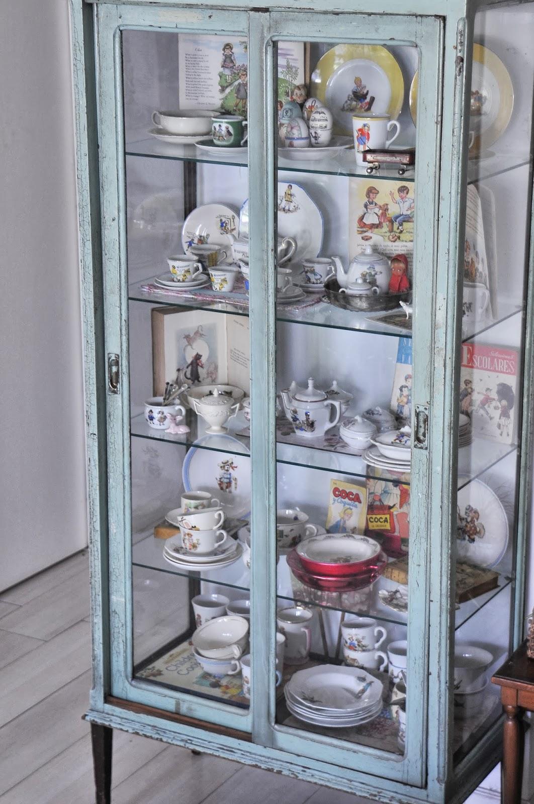 Tazas cuentos colecciones collections - Vitrinas para miniaturas ...