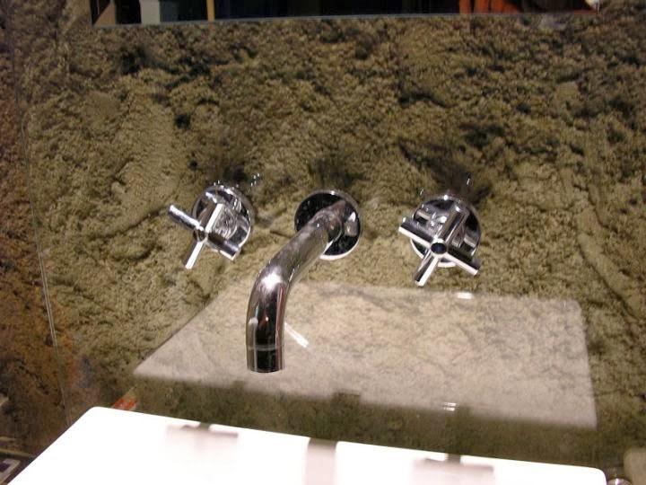 Дизайнерско решение за вграждане на смесител за баня