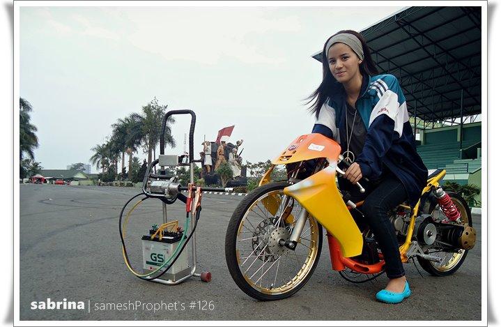 SABRINA Lady Joki SHIT THE GRID Bandung