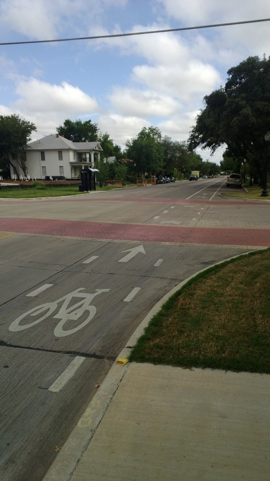 bike lanes in dallas In 2012, dallas had 8 miles of on-street bike lanes today that's grown to 393 miles within the next few years, that's expected to increase to 107 miles.